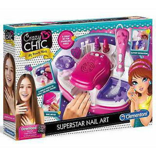 Immagine di Crazy Chic Superstar Nail Art