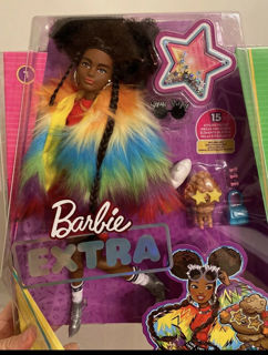 Immagine di Barbie Extra Giacca Arcobaleno